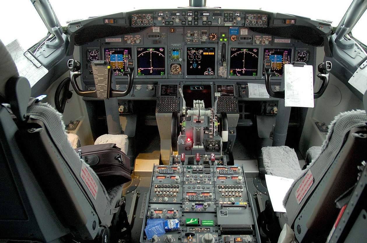 【转载】民航驾驶舱观看飞机降落