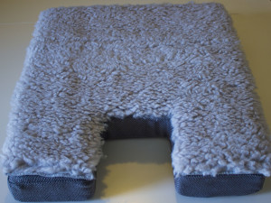Boeing 737NG Seat Cushion with Grey Skin Sheep